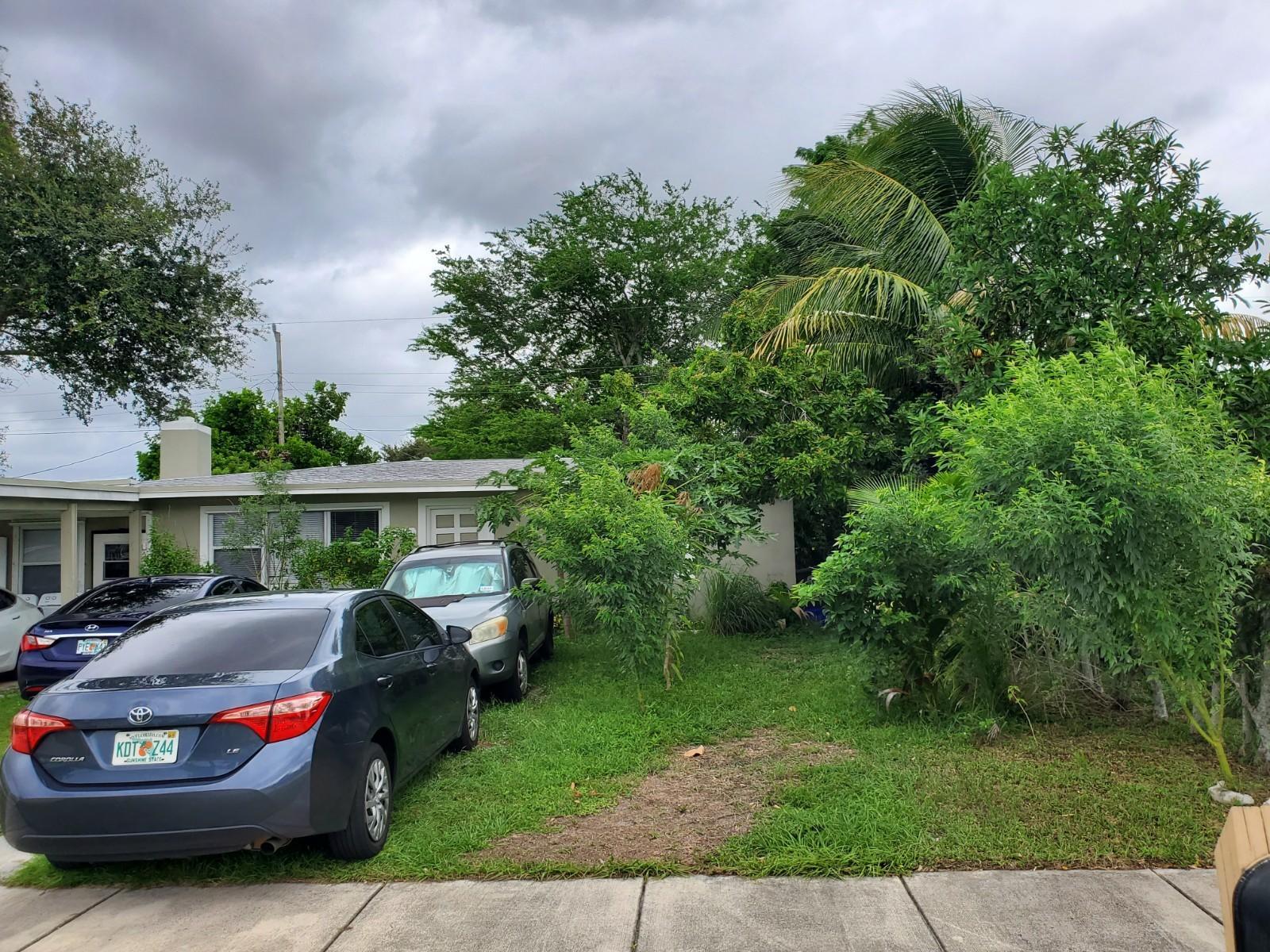 411 Hemlock Road, West Palm Beach, FL 33409