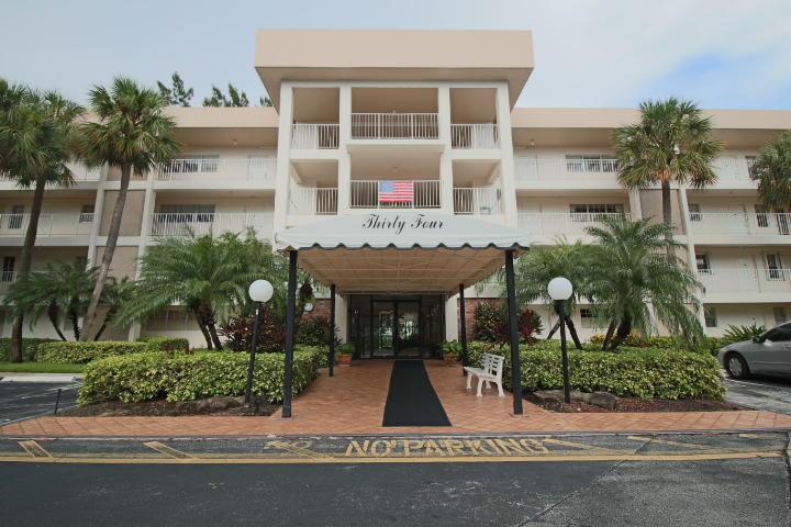 3051 S Palm Aire Drive, Pompano Beach, FL 33069