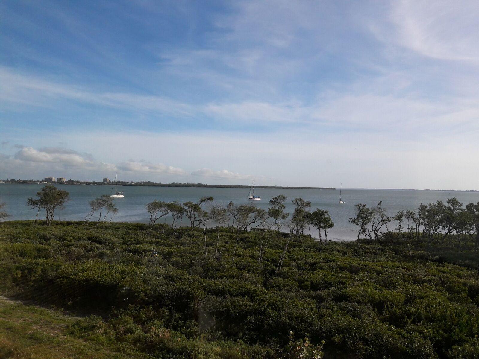 24 Harbour Isle W Drive, Hutchinson Island, FL 34949