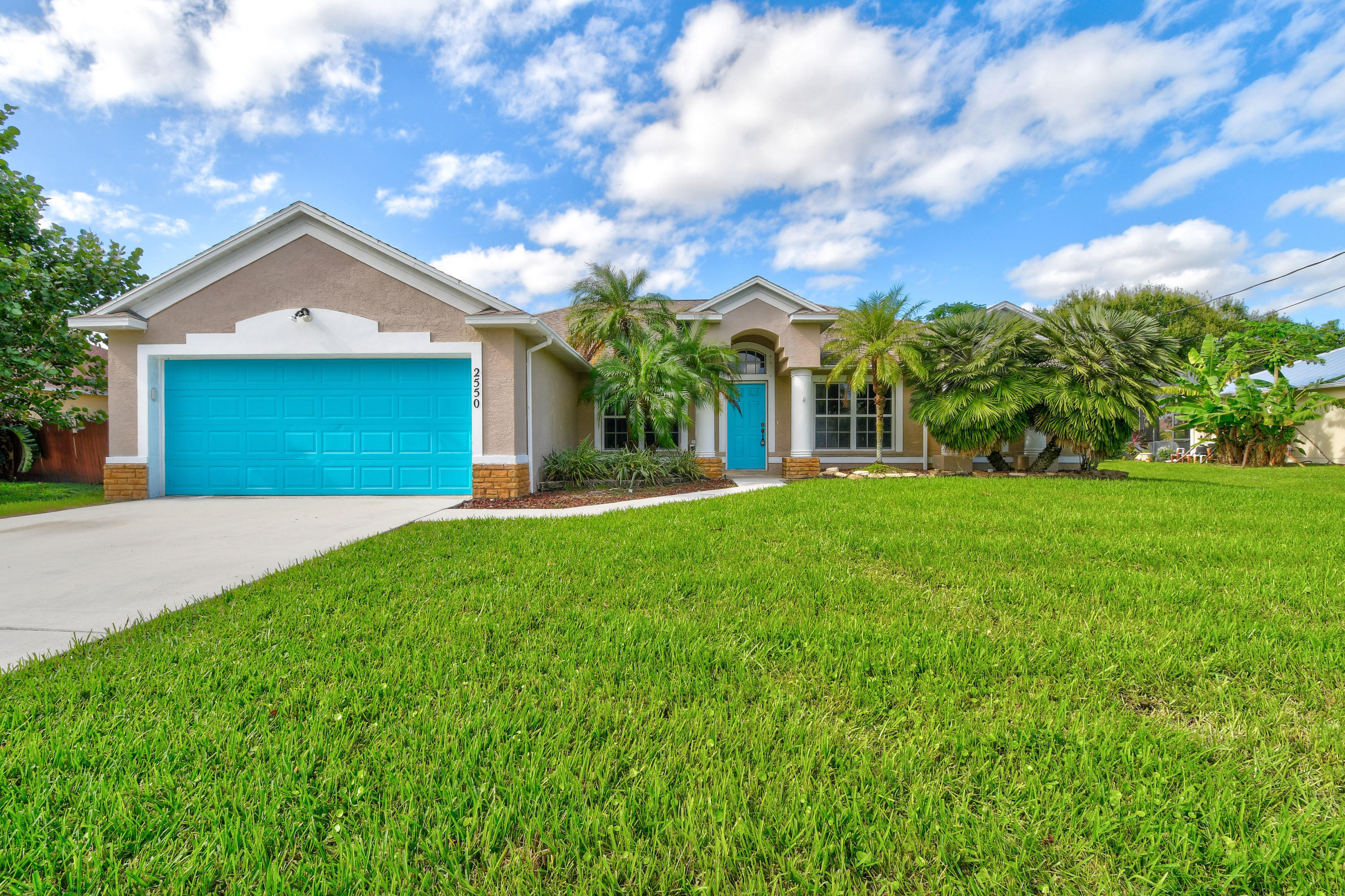 2550 Sw Dalpina Road, Port Saint Lucie, FL 34953