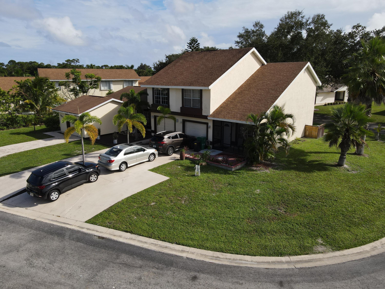 1641 Se Gainswood Court, Port Saint Lucie, FL 34952