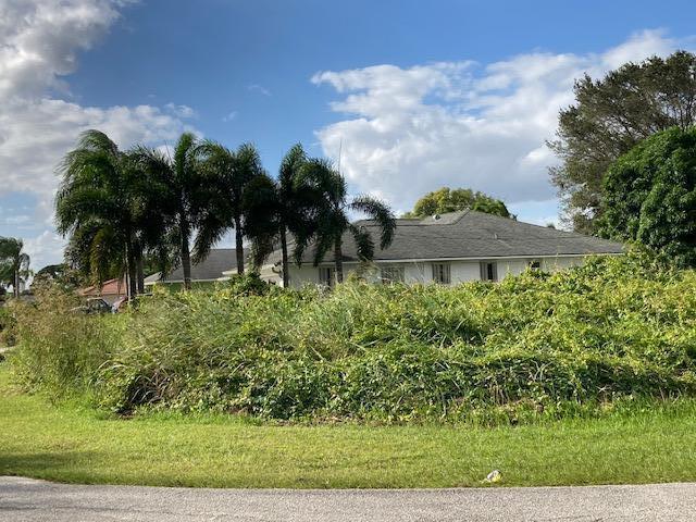 1632 Se Durango Street, Port Saint Lucie, FL 34952