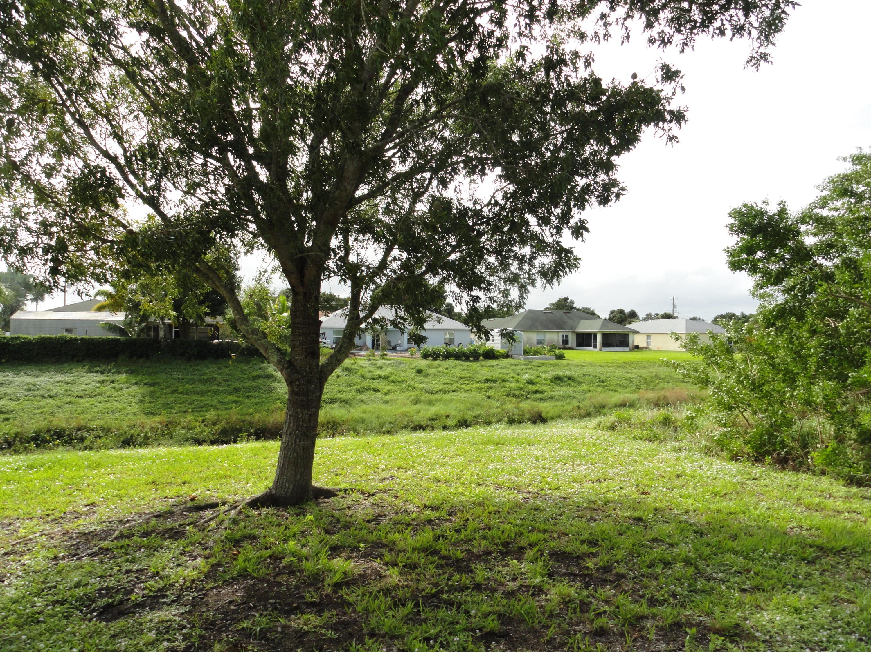 808 Sw Java Avenue, Port Saint Lucie, FL 34953
