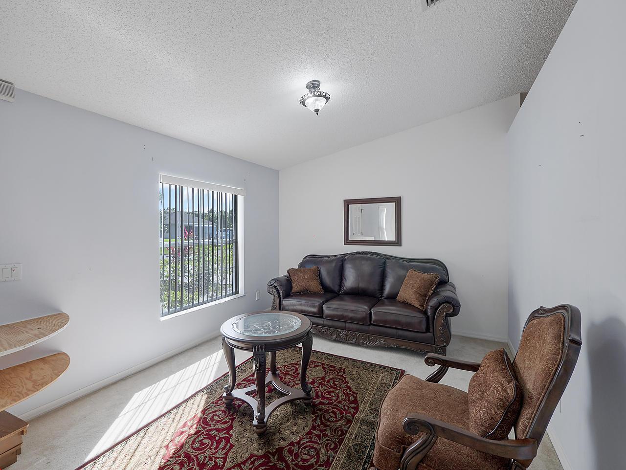 413 Se Streamlet Avenue, Port Saint Lucie, FL 34983