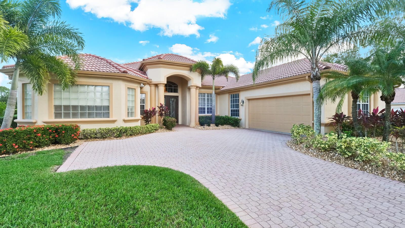 8031 Plantation Lakes Drive, Port Saint Lucie, FL 34986