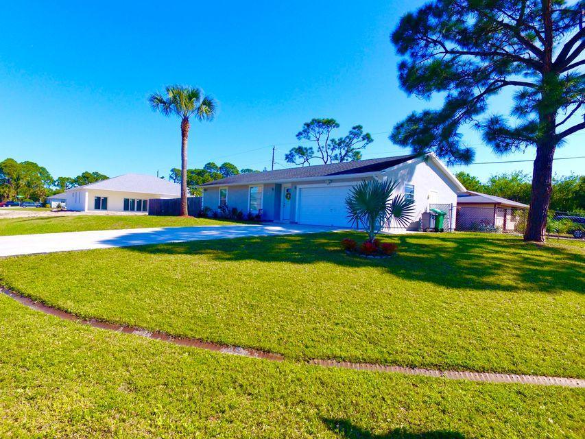 3297 Sw Escarole Street, Port Saint Lucie, FL 34953