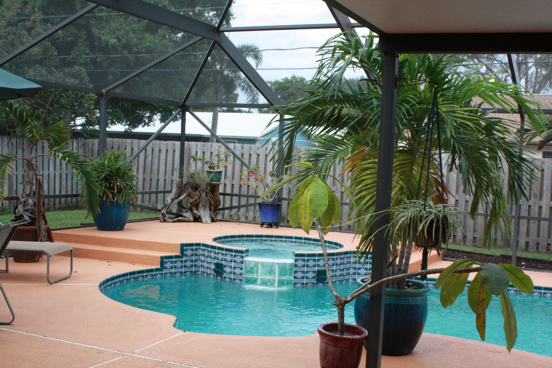 2537 Se Sapelo Avenue, Port Saint Lucie, FL 34952