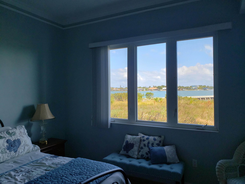 20 Harbour Isle W Drive, Hutchinson Island, FL 34949