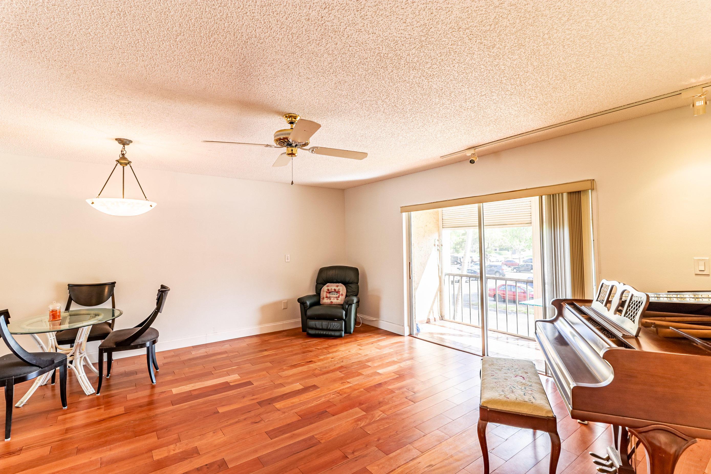8260 24 Th Sw Street, North Lauderdale, FL 33068