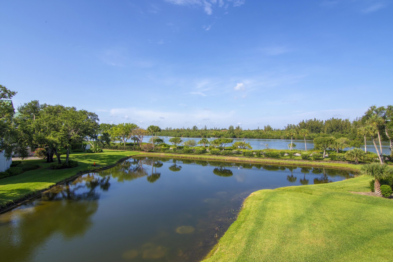 8855 W Orchid Island Circle, Vero Beach, FL 32963