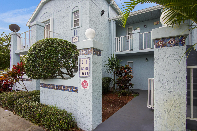 1676 Se Green Acres Circle, Port Saint Lucie, FL 34953