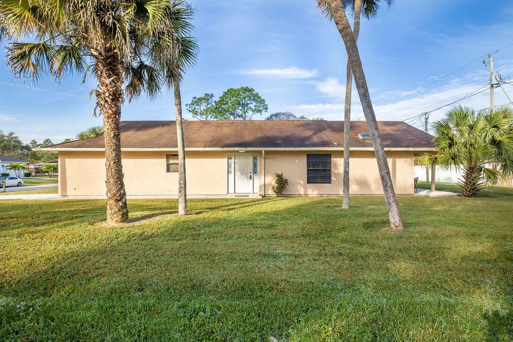 1573 Sw Dycus Avenue, Port Saint Lucie, FL 34953