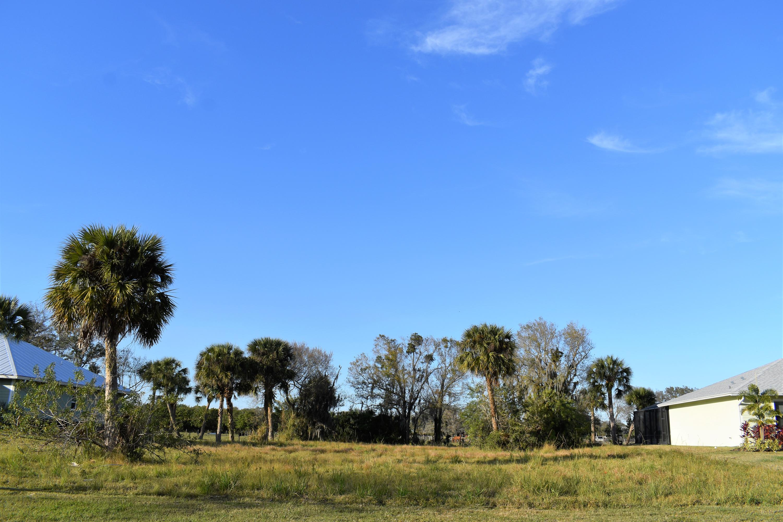 1408 Lone Pine Drive, Fort Pierce, FL 34982
