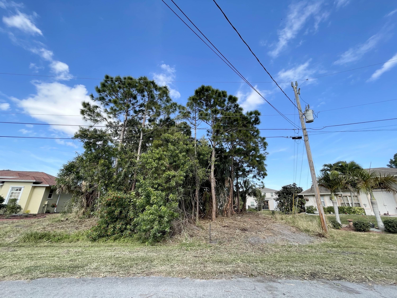 5731 Nw Alcazar Terrace, Port Saint Lucie, FL 34986