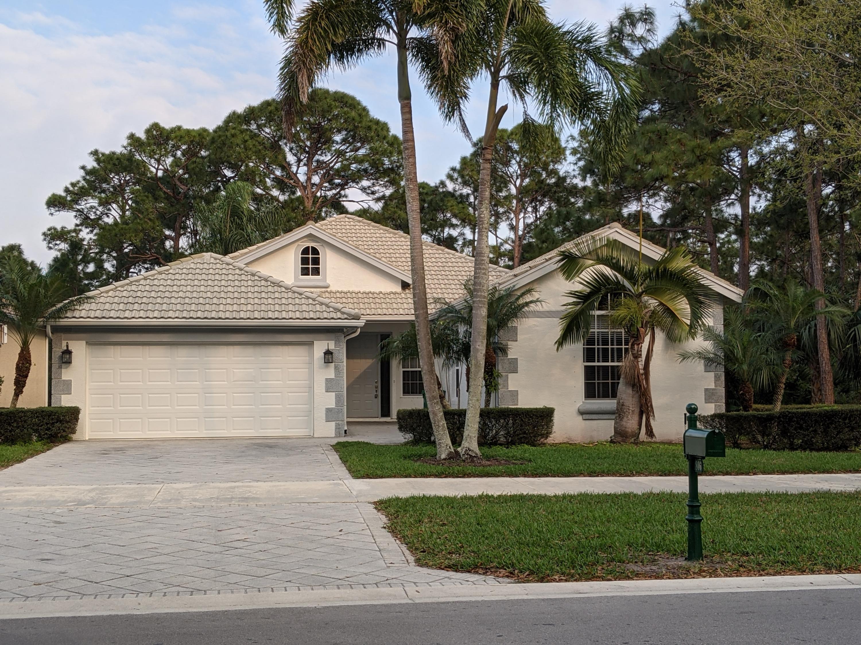 806 Sw Lake Charles Circle, Port Saint Lucie, FL 34986
