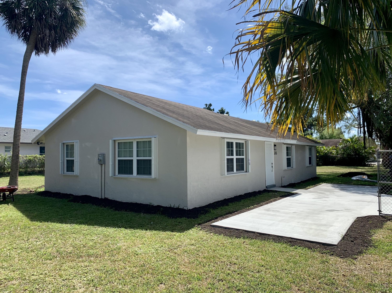 2476 Queen Street, West Palm Beach, FL 33417