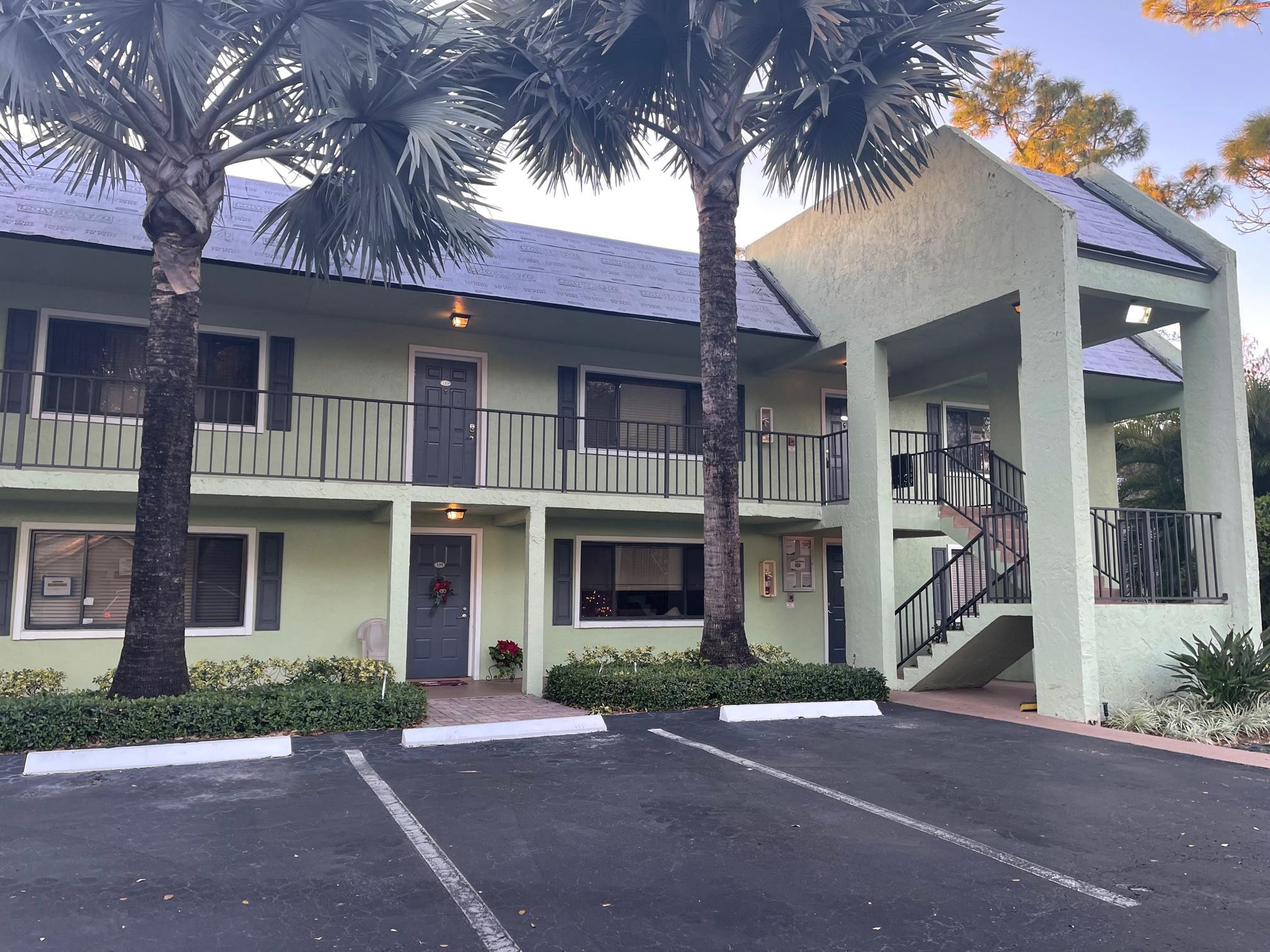 711 Forest Club Drive, Wellington, FL 33414