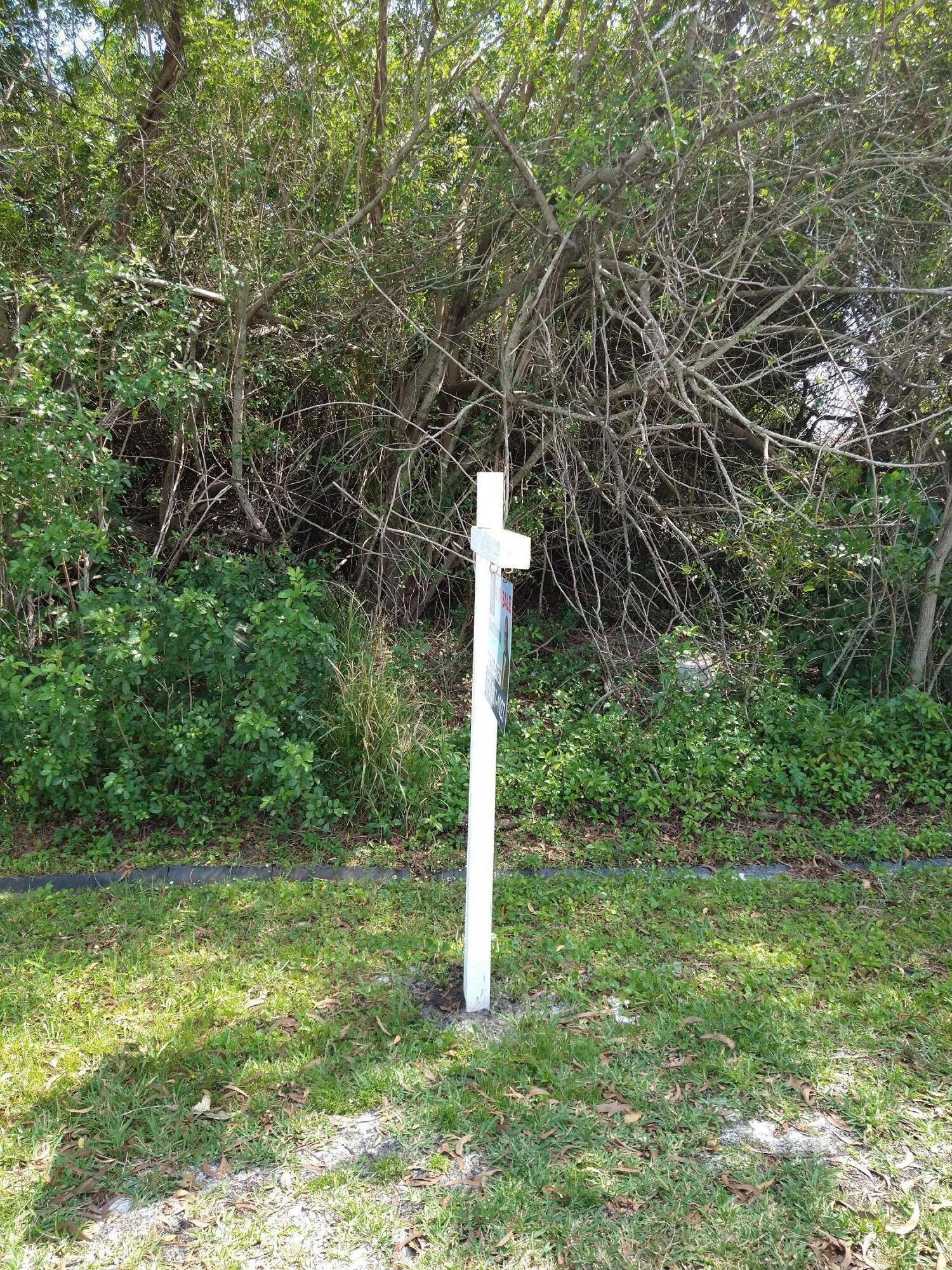 1644 Se North Blackwell Drive, Port Saint Lucie, FL 34952