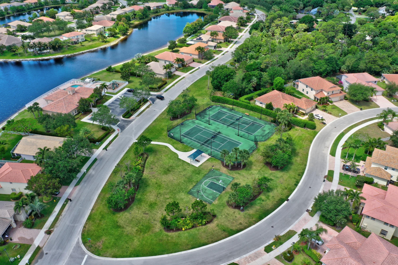 1553 Se Conference Circle, Stuart, FL 34997