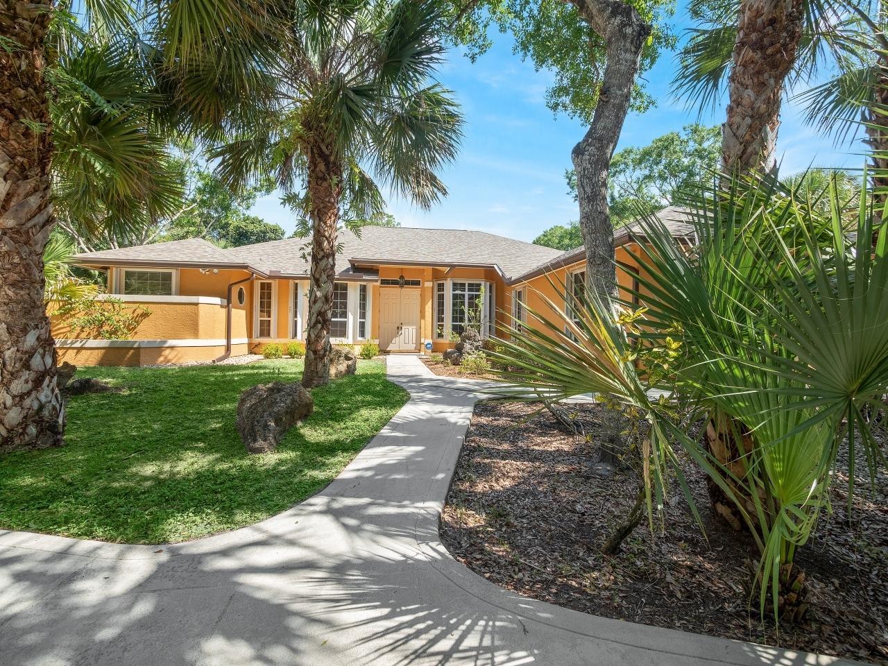 8349 150th N Court, Palm Beach Gardens, FL 33418
