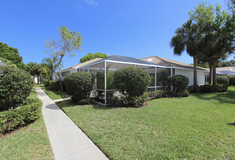 10701 Chapman Oak Court, Palm Beach Gardens, FL 33410