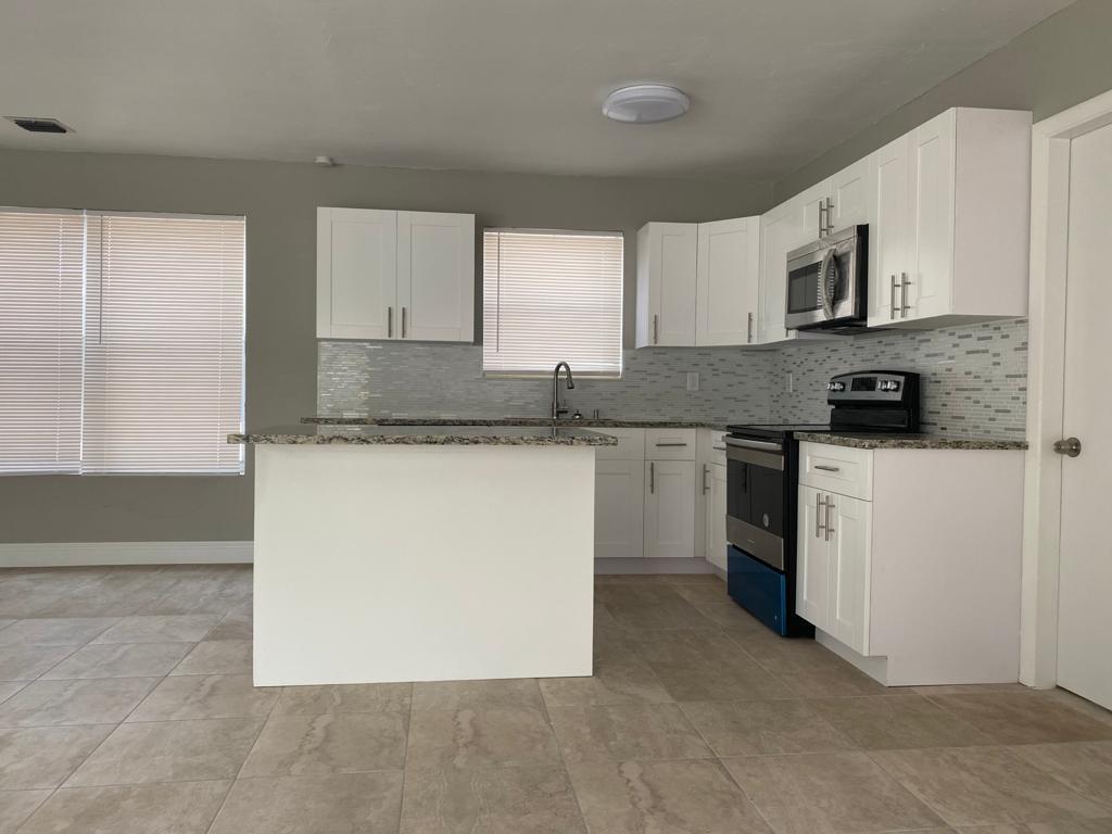 200 Ne 43rd Street, Deerfield Beach, FL 33064