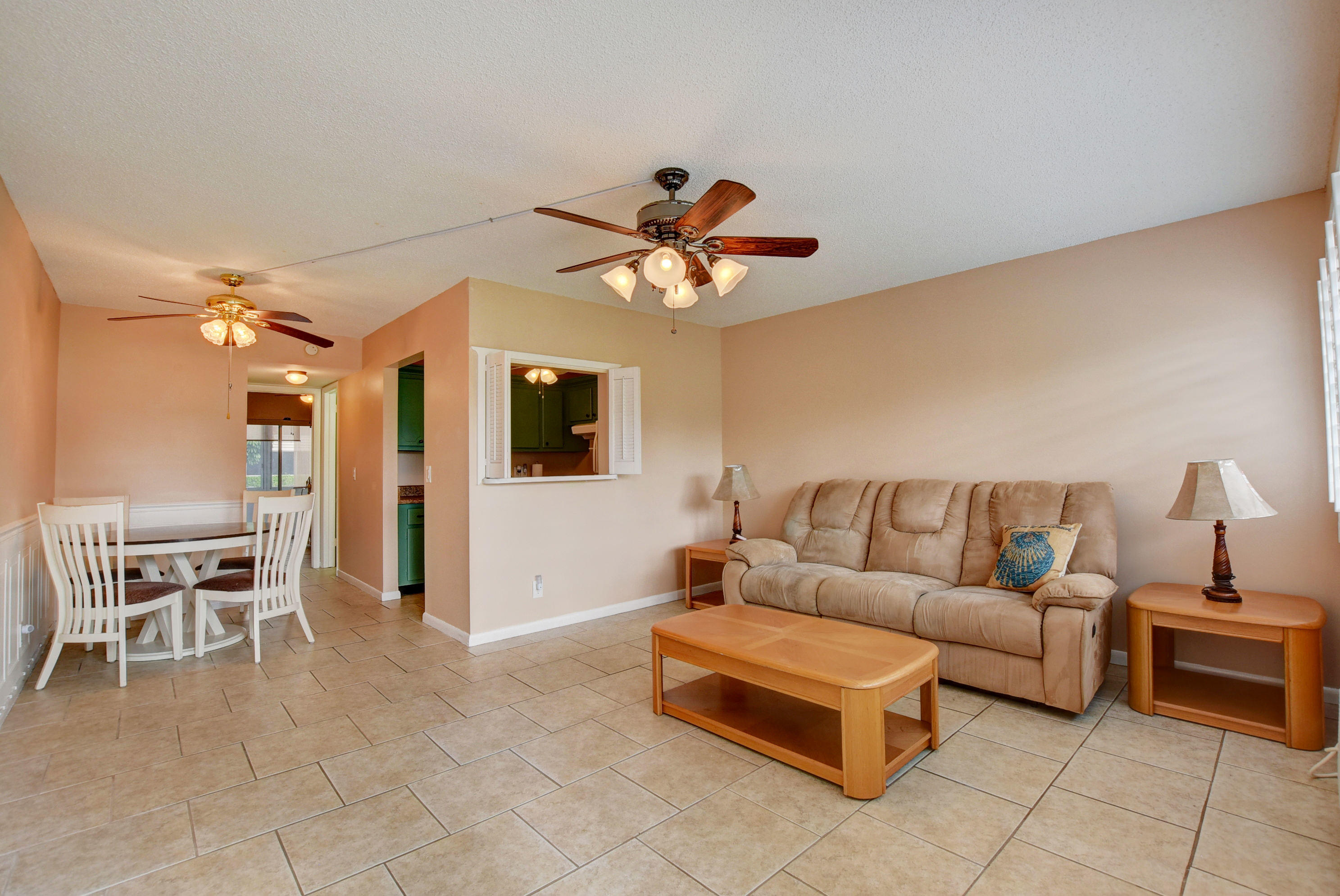 102 Cambridge E, West Palm Beach, FL 33417