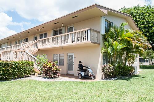 204 Coventry I, West Palm Beach, FL 33417