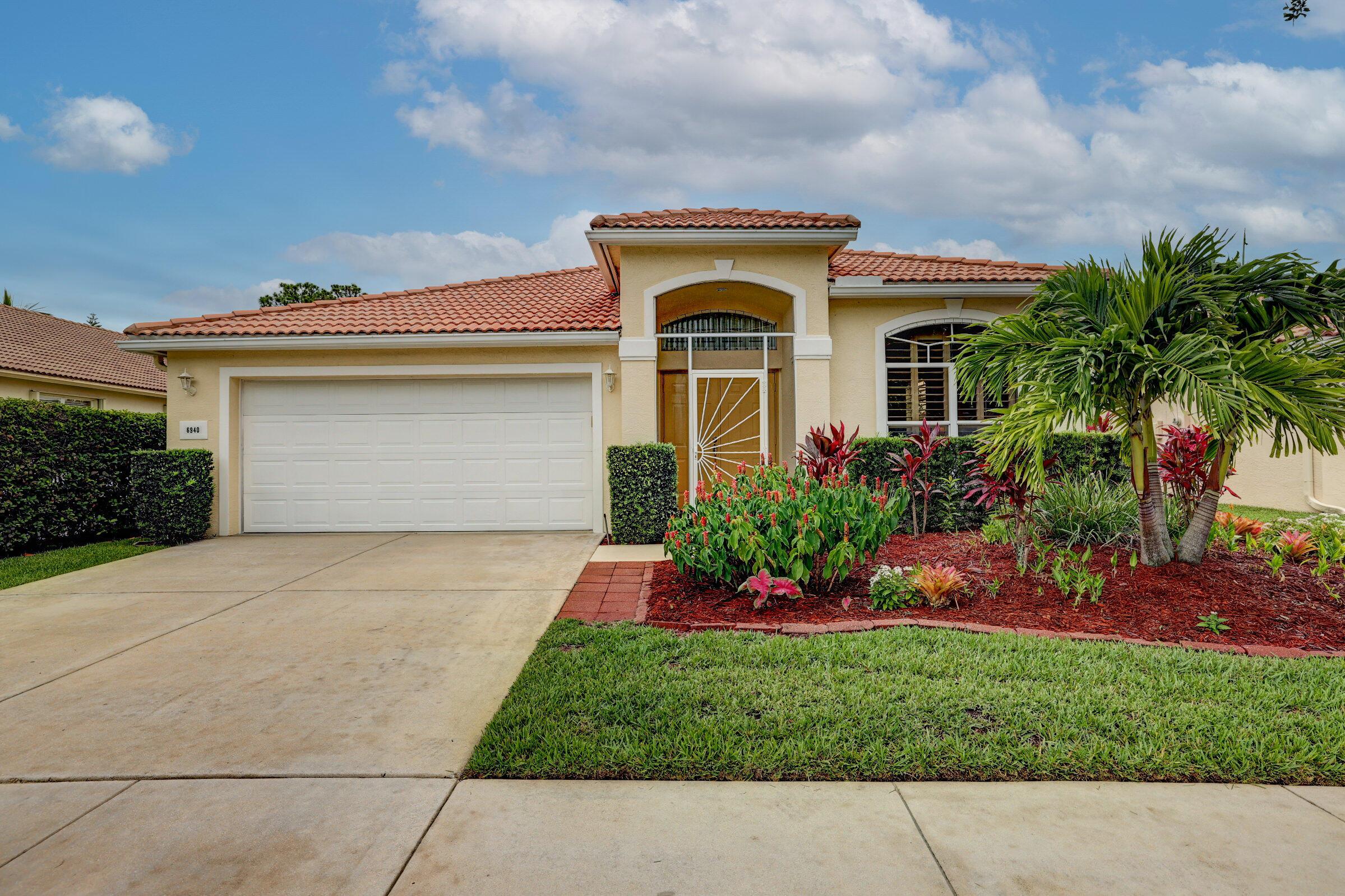 6940 Se Twin Oaks Circle, Stuart, FL 34997