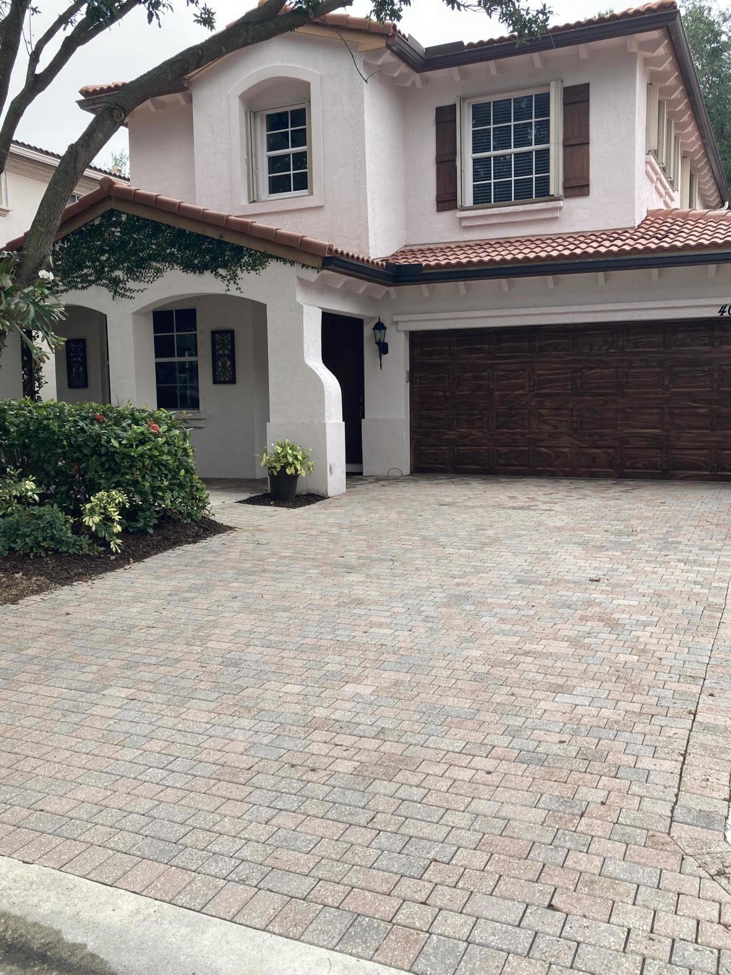 402 Pumpkin Drive, Palm Beach Gardens, FL 33410