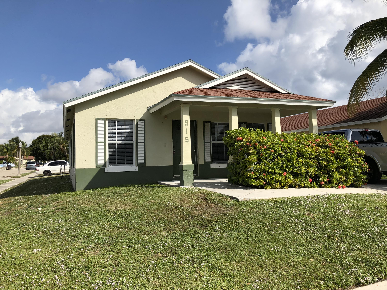 915 10th Street, West Palm Beach, FL 33401
