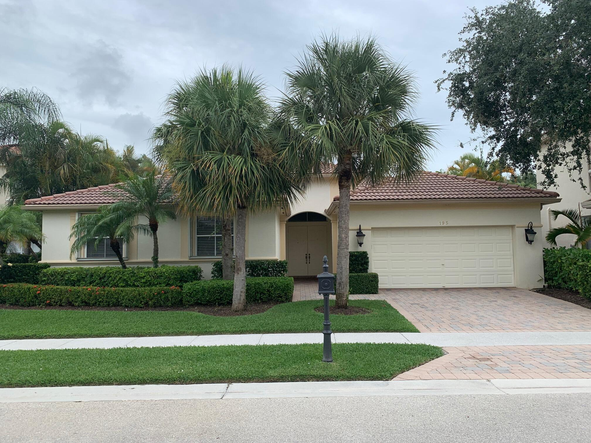 195 Sedona Way, Palm Beach Gardens, FL 33418