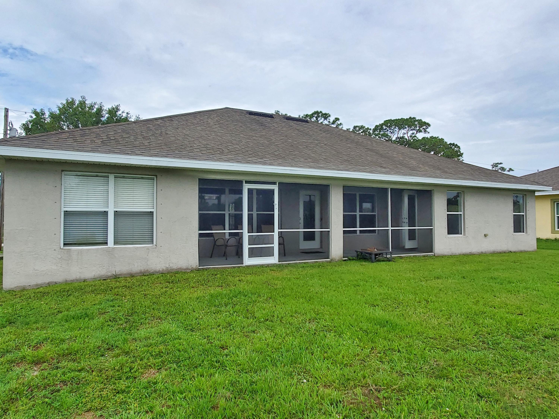 1401 Sw Bougainvillea Avenue, Port Saint Lucie, FL 34953
