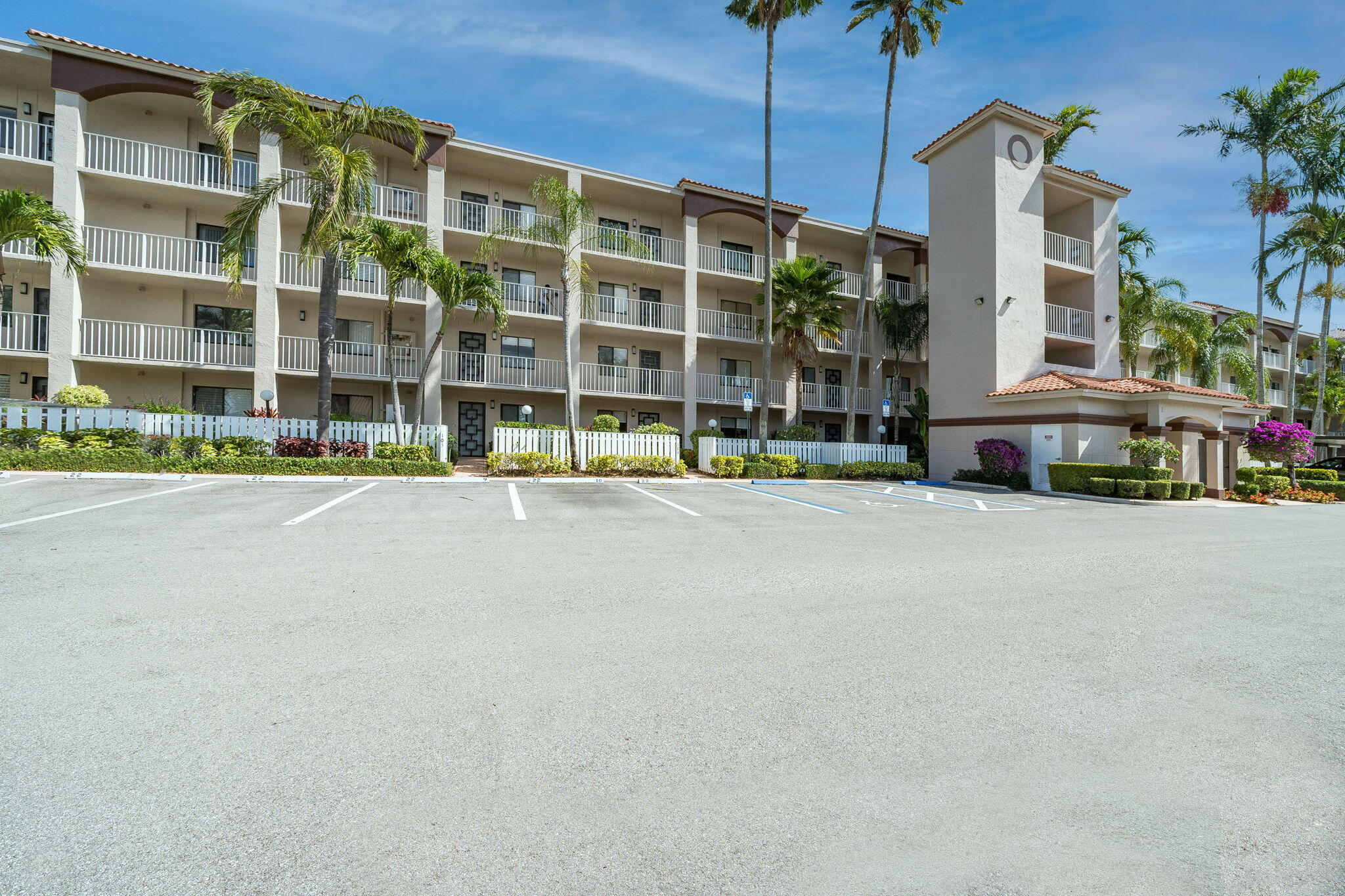 6149 Pointe Regal Circle, Delray Beach, FL 33484