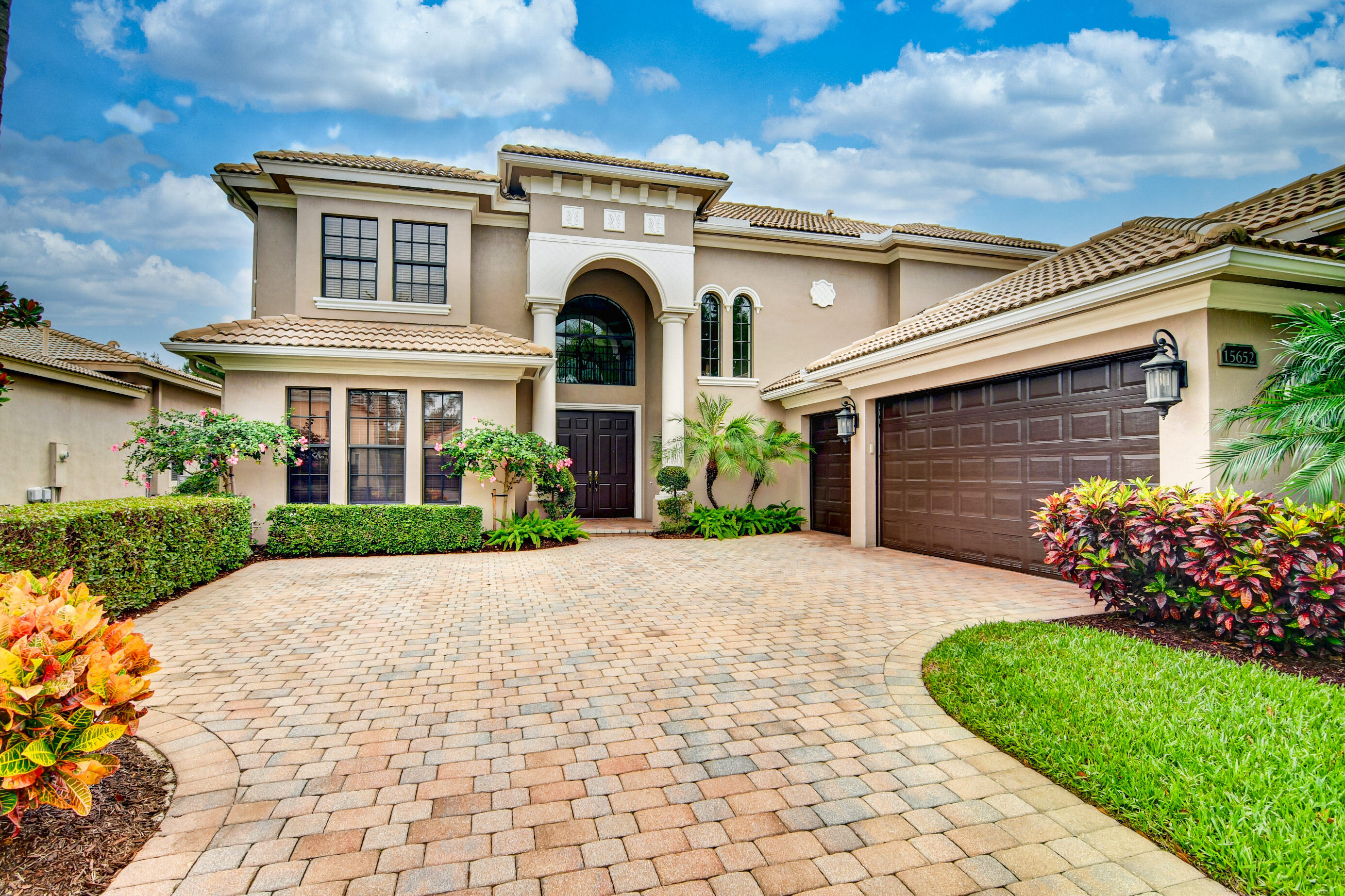 15652 Glencrest Avenue, Delray Beach, FL 33446