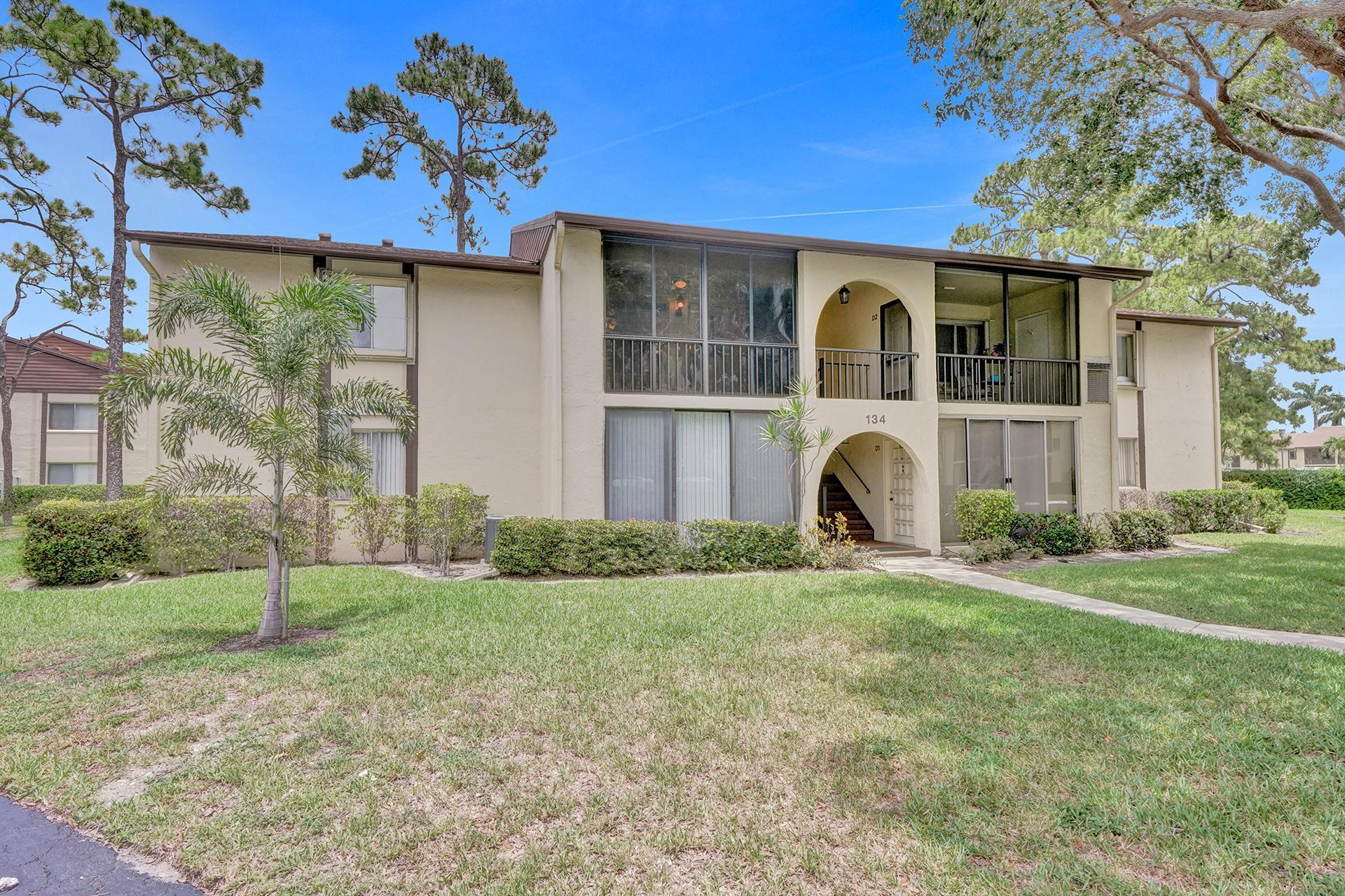 134 Lake Pine Circle, Greenacres, FL 33463