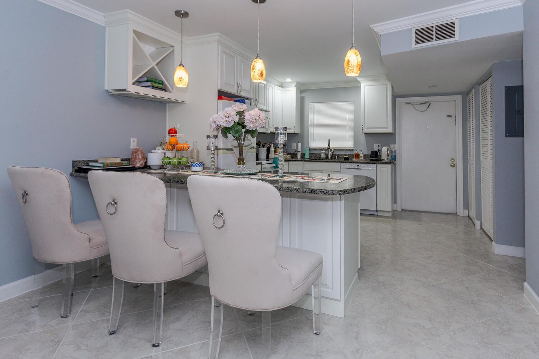2755 W Atlantic Avenue, Delray Beach, FL 33445