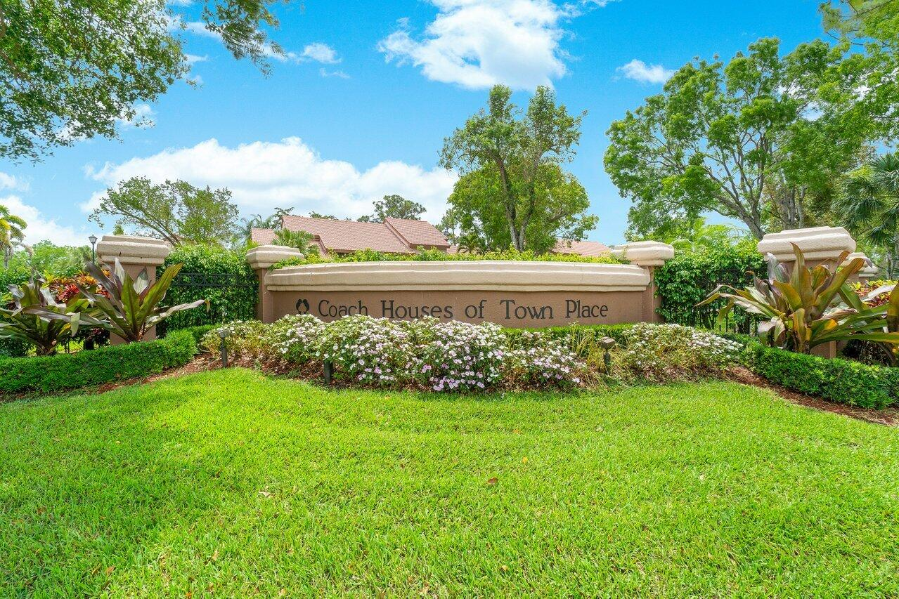 5640 Coach House Circle, Boca Raton, FL 33486