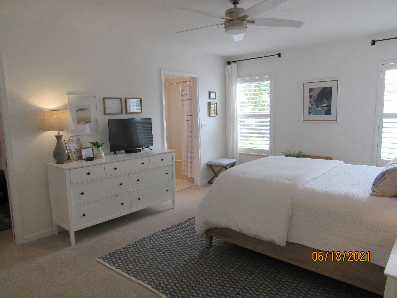 2486 Se Pineland Drive, Port Saint Lucie, FL 34952