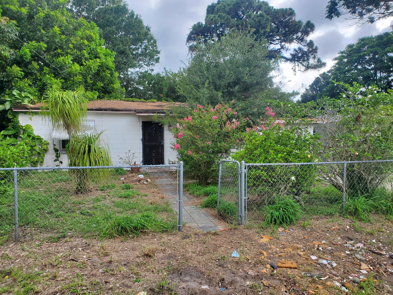 2409 S 13th S Street, Fort Pierce, FL 34950