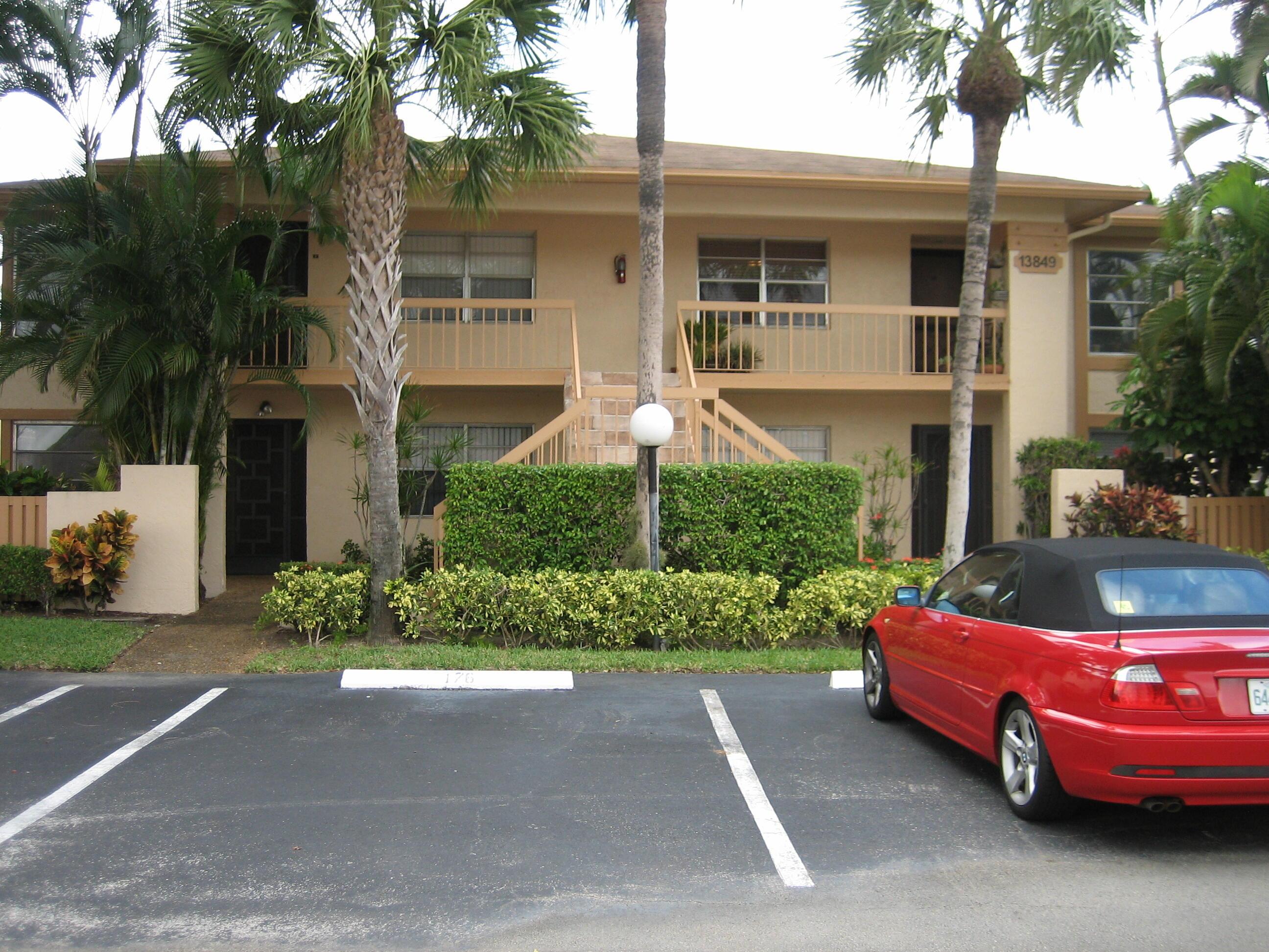 13849 Royal Palm Court, Delray Beach, FL 33484