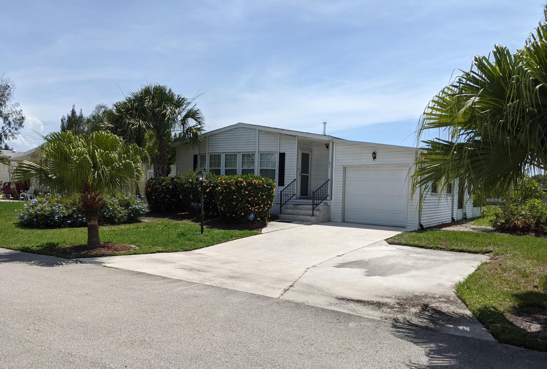 8215 Cinnamon Lane, Port Saint Lucie, FL 34952