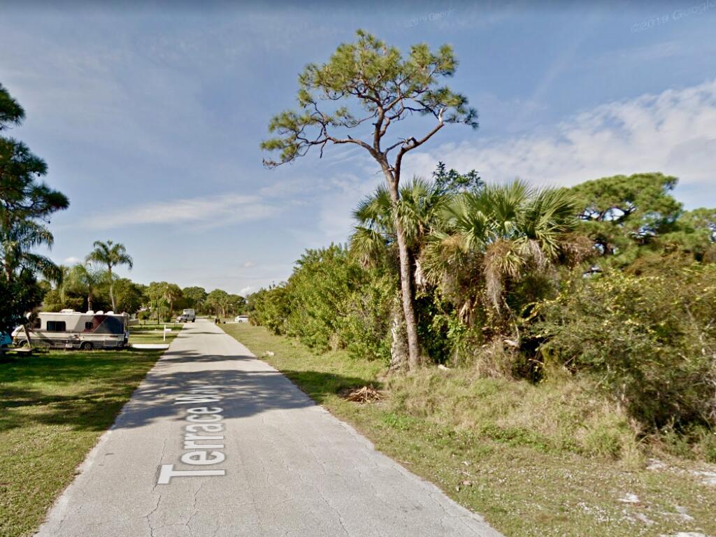 1115 Ne Terrace Way, Jensen Beach, FL 34957