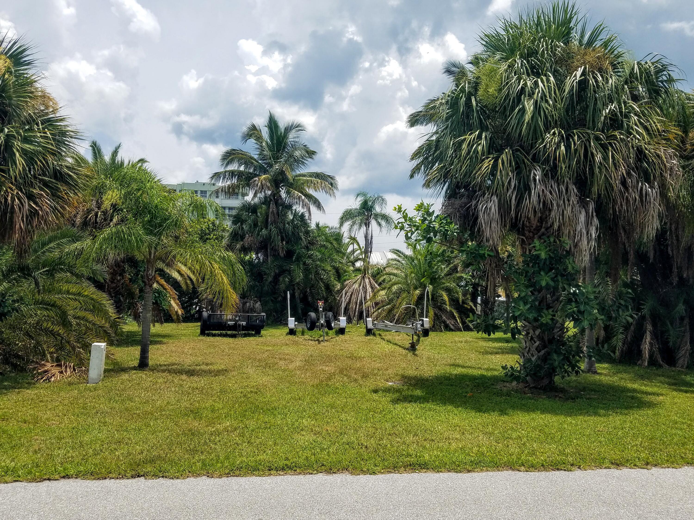 2710 Flotilla Terrace, Hutchinson Island, FL 34949