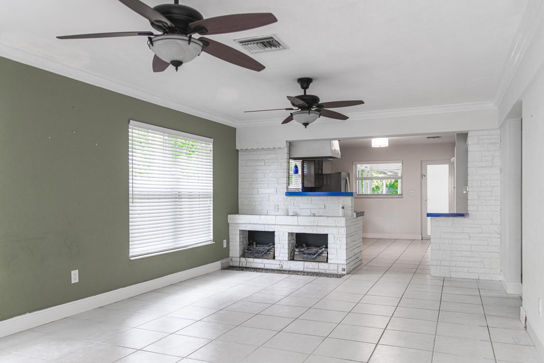 1404 Ne 2 Street, Pompano Beach, FL 33060