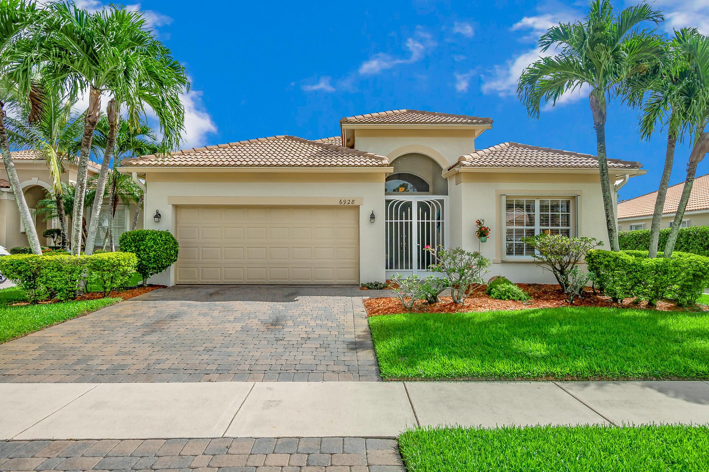 6928 Se Twin Oaks Circle, Stuart, FL 34997