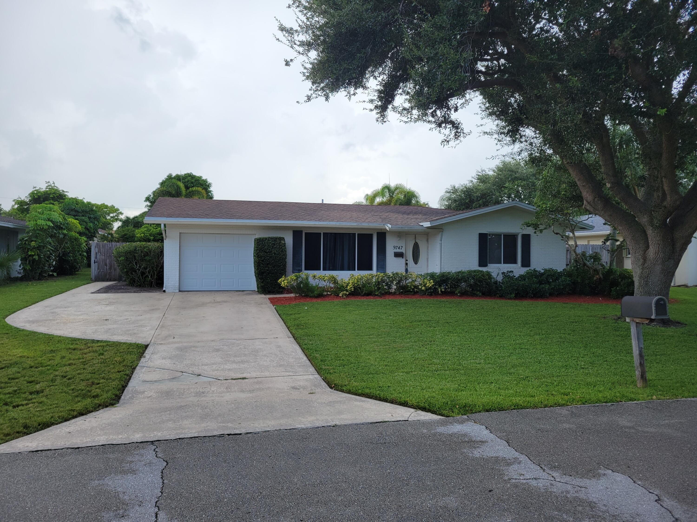 9747 Daffodil N Circle, Palm Beach Gardens, FL 33410
