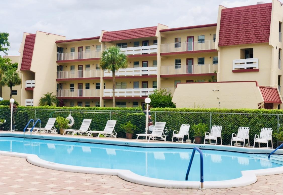 1005 Country Club Drive Drive, Margate, FL 33063
