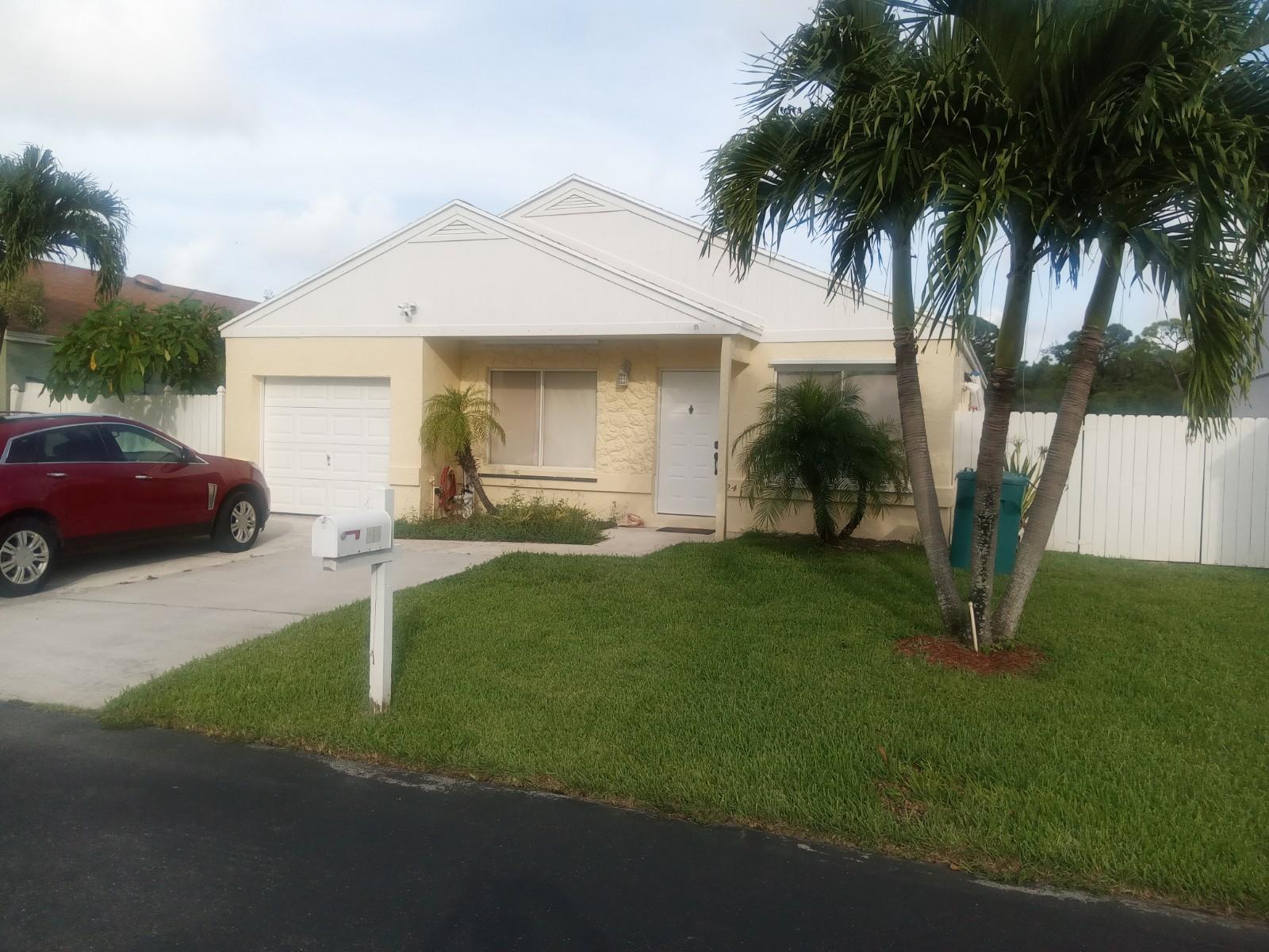 24 Hastings Lane, Boynton Beach, FL 33426