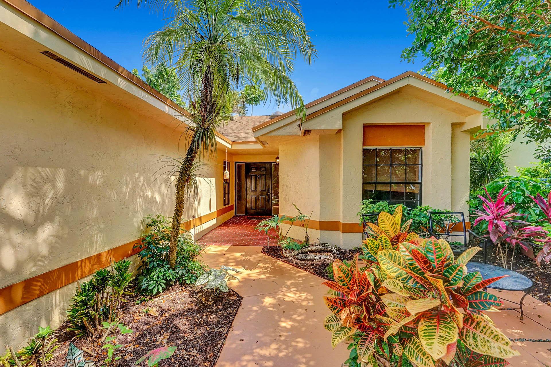 4220 Grovepark Lane, Boynton Beach, FL 33436